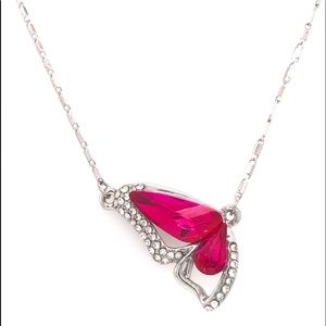 Jewelry - Gorgeous Butterfly Swarovski Necklace